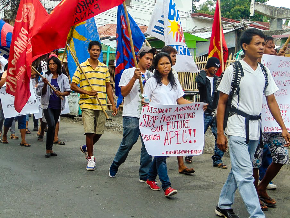 May 10: Protesters made their way to Boracay during the exclusive APEC meetings. Photo by Panay Today.