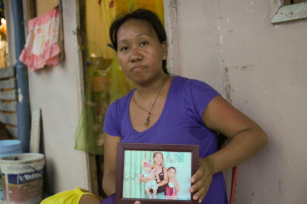 Gina Supang, 30: Namatay ang sanggol dahil sa init sa loob ng bunkhouse. Larawan ng People Surge.