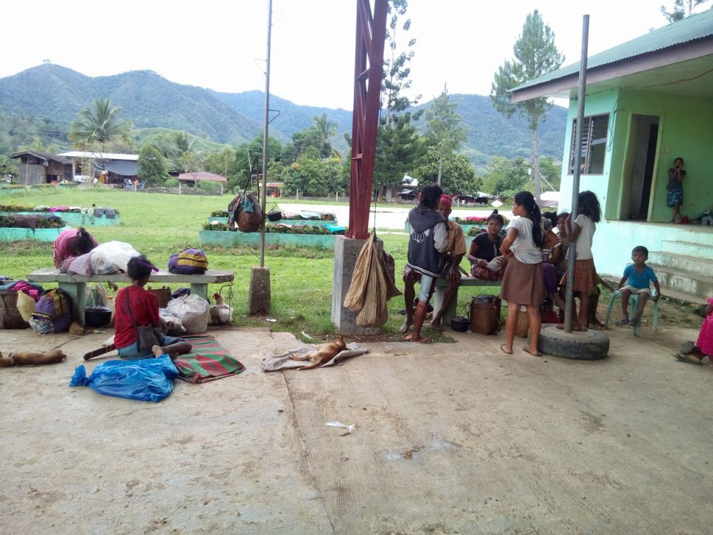 Families have evacuated to Brgy. Kawayan, San Fernando, Bukidnon. Photo by Barry Ohaylan/Kilab Multimedia.